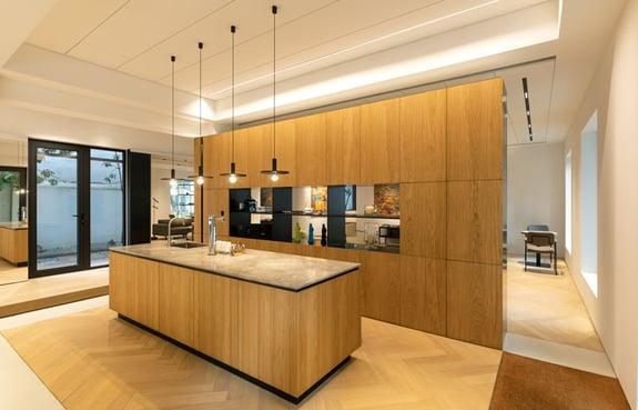 dynamische-showroom-keuken